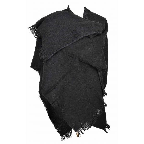 5fdbf226bff9 cape femme noire fabriquée en France cet hiver
